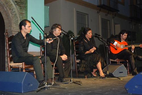 AionSur 14472025245_fdc792a67e_d La voz de 'Macanita' y el baile de Manuel Liñán templan con brillantez el fresco de la quinta noche de Al gurugú Flamenco