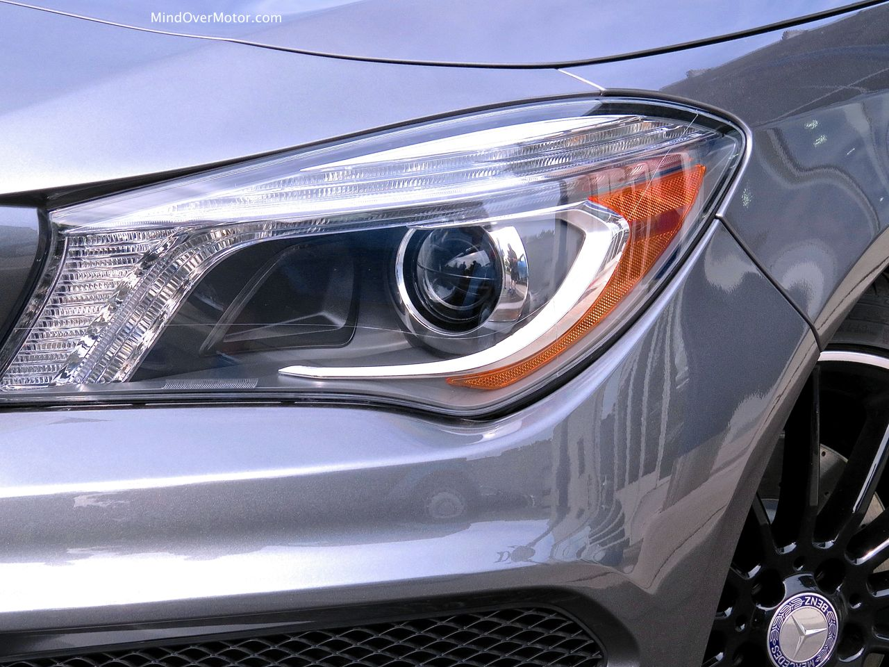 Mercedes-Benz CLA250 Headlight