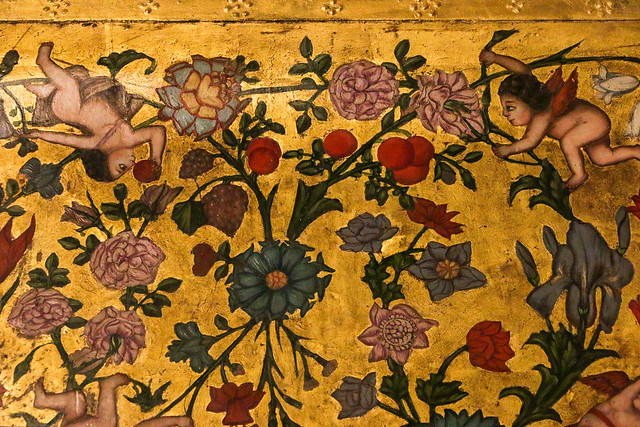 Lovely puttoes and flowers painting in Vank Cathedral, Isfahan, Iran イスファハン、ヴァーンク教会、お花と天使の可愛い絵画装飾