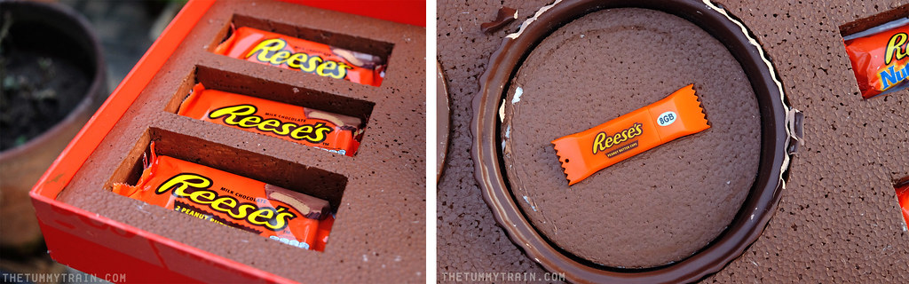14599793408 f96e332321 b - Treats from Reese's and cookies that remind of them