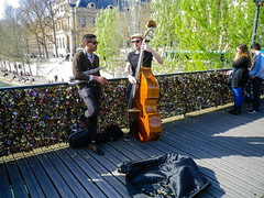 Performers on Pont des Arts