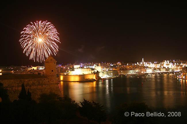 Vista nocturna de las tres ciudades. © Paco Bellido, 2008