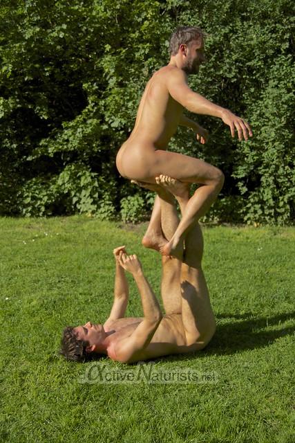 acro-yoga 0009 Tiergarten, Berlin, Germany