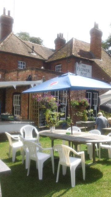 Flower Pot pub garden