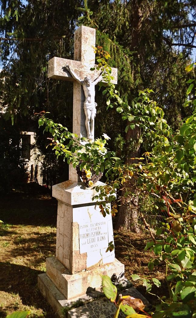 Kríž pri kaplnke