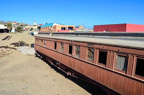 Abandoned wagon in the center of Lüderitz