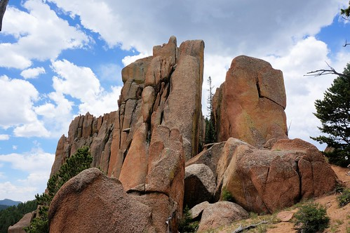 colorado crack granite lichen crags thecrags pikespeakgranite cragstrail gettinghigh2014 cragstrail664