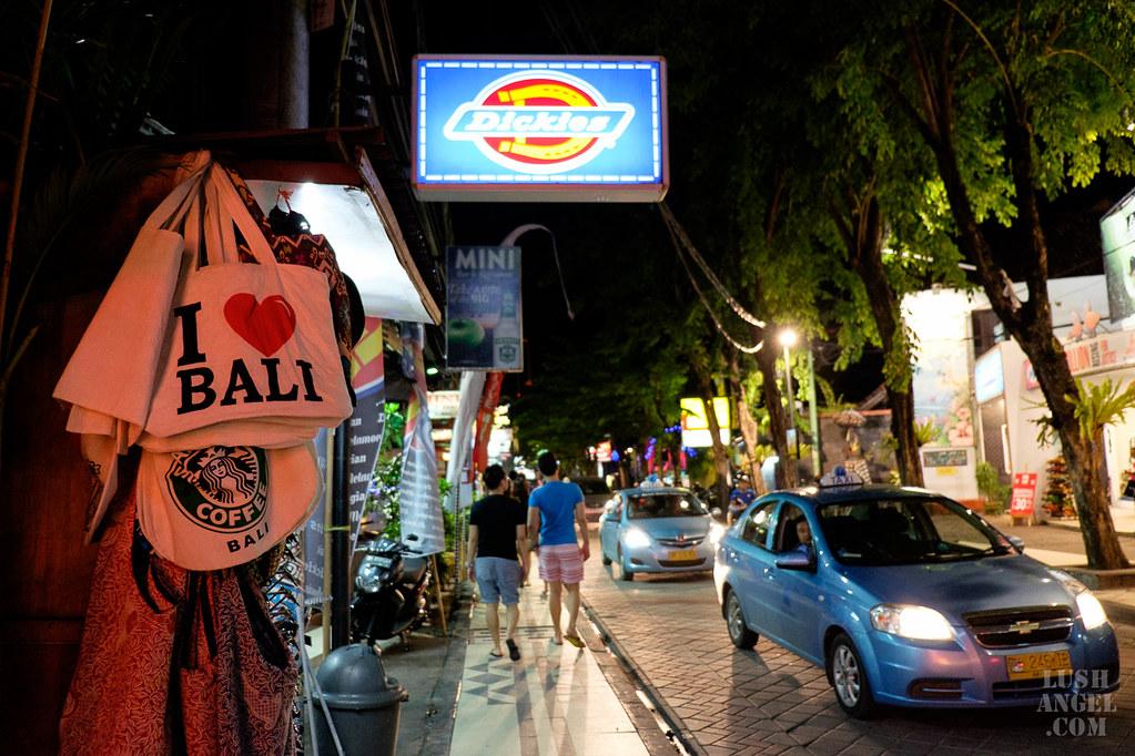bali-at-night