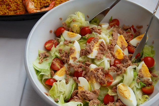 Spanish Egg, Tomato & Tuna Salad