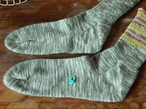 перевязываю носки от мыска с пяткой флигля | horoshogromko.ru