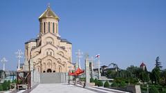 Największa w Gruzjii cerkiew Sameba (Sobór Św. Trójcy), zdudowana w 1995r. Tbilisi.