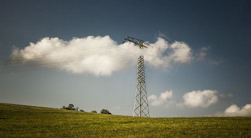 The pylon and the cloud