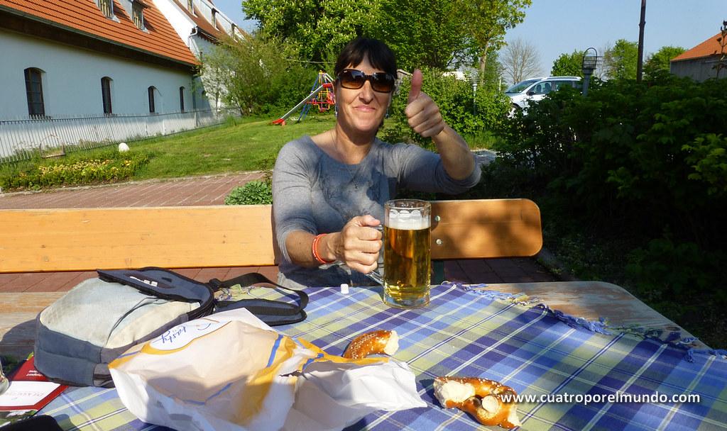 """Disfrutando de nuestra primera """"rubia"""" alemana"""