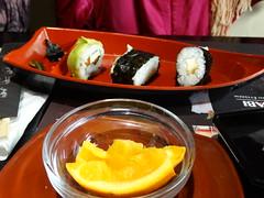 Sushi és narancs
