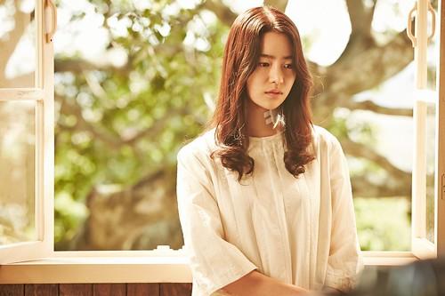 003【人間中毒】劇照_被譽為韓版湯唯的新人林智妍,在片中也將有裸露演出