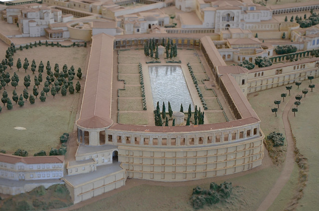 Model of Hadrian's Villa showing the Pecile and the Hundred Chambers