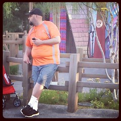 bearded dad - disneyland