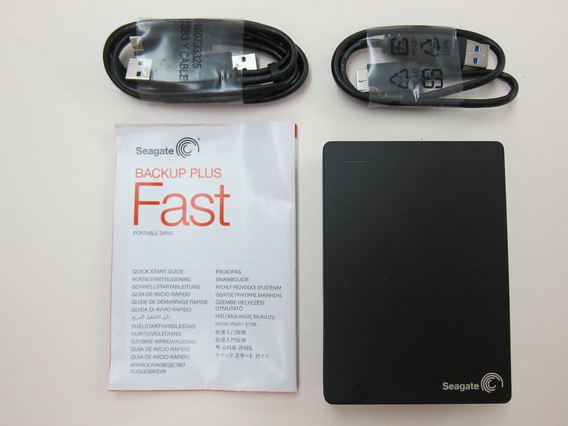 Seagate Backup Plus Fast - Box Contents