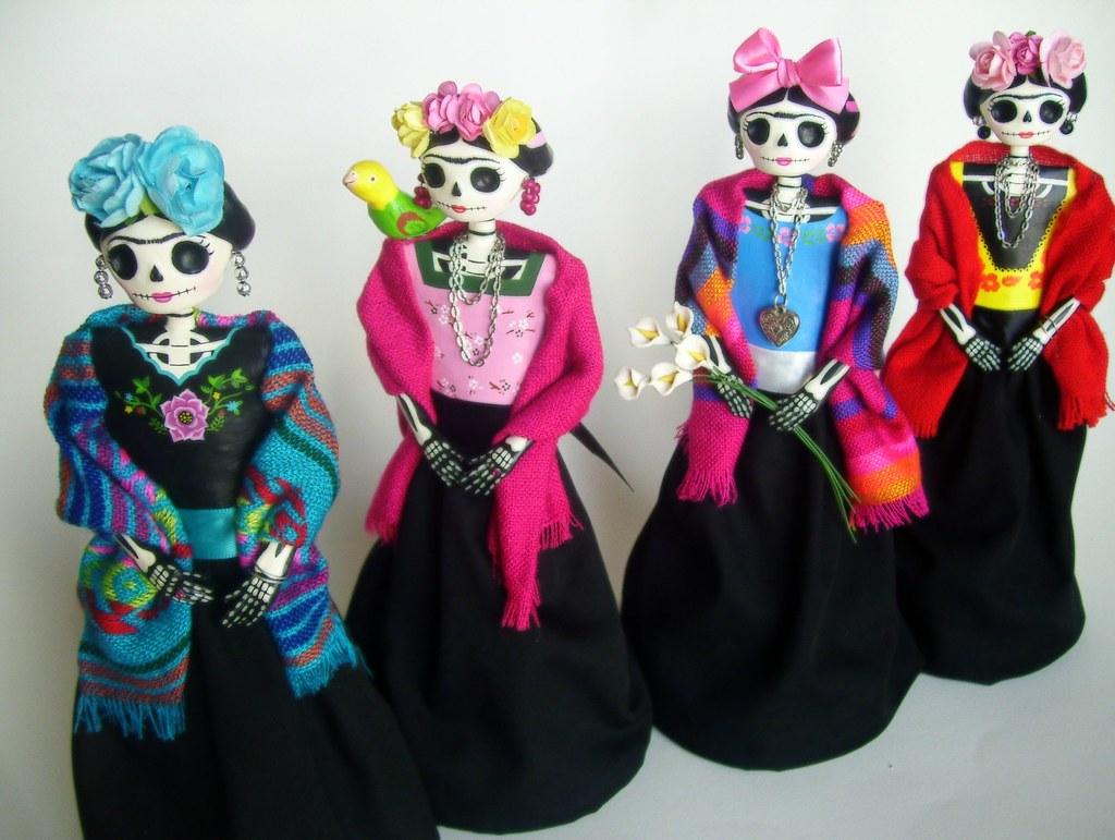 Frida Kahlo Catrinas de papel mache.