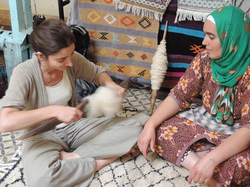 Wool carding with Hafidha