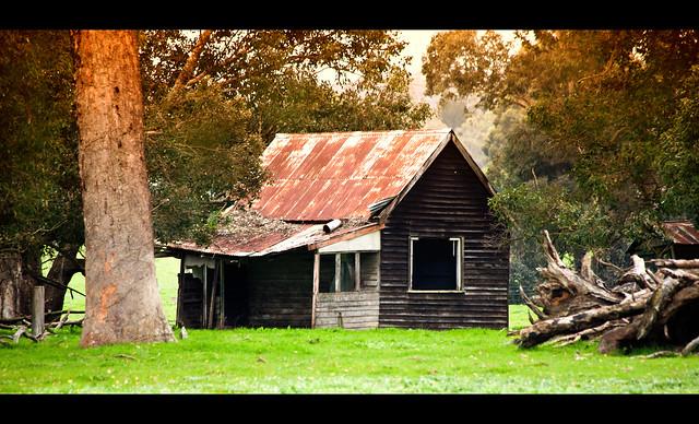 Little abandoned shack between Nannup & Pemberton