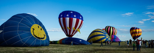 GroupOfBalloonsLaunching-20140906-100