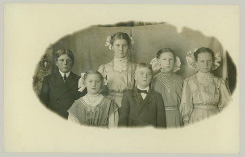 Family Group with bows