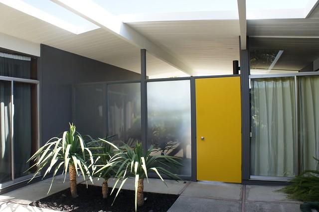 eichler atrium via dearhouseiloveyou.com