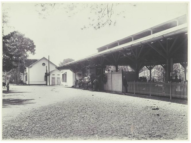Treinstation te Tegal 1900