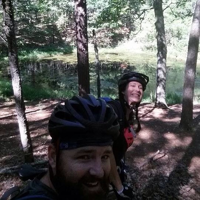 Photobombing @bob.jenkins.7505  on the Berryman trail #mtb