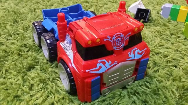 Optimus Prime Trailer (by Playskool)