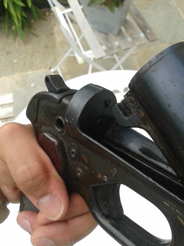 Estimation Pistolet Lance Fusée Allemand : LP42  15202483396_f47f53c157_c