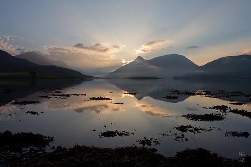 morning mountains sunrise scotland highlands glencoe loch sunbeams matin montagnes ecosse lochleven leverdujour septembre2014 nadcoz