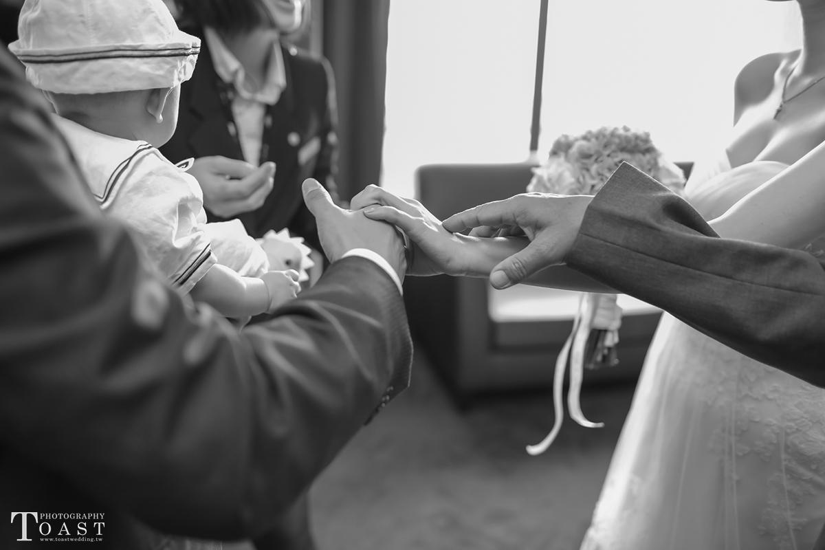 15391877375_1564ff5bd1_o-法鬥影像工作室_婚攝, 婚禮攝影, 婚禮紀錄, 婚紗攝影, 自助婚紗, 婚攝推薦, 攝影棚出租, 攝影棚租借, 孕婦禮服出租, 孕婦禮服租借, CEO專業形象照, 形像照, 型像照, 型象照. 形象照團拍, 全家福, 全家福團拍, 招團, 揪團拍, 親子寫真, 家庭寫真, 抓周, 抓周團拍