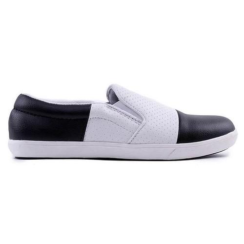 Tampil Trendy dengan produk Fashion distro HRCN asal bandung, nyaman digunakan, bahan awet, kualitas dan desain original, tampil beda dan percaya diri. Sepatu Sneaker / Casual Pria - H 5077 Warna Hitam Kombinasi Bahan Synthetic Size : 39 ~ 44 IDR : 217.