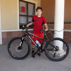 Isaac G. w/ his new @rockymountainbicycles Vertex 24 #kids #mtb #cycling