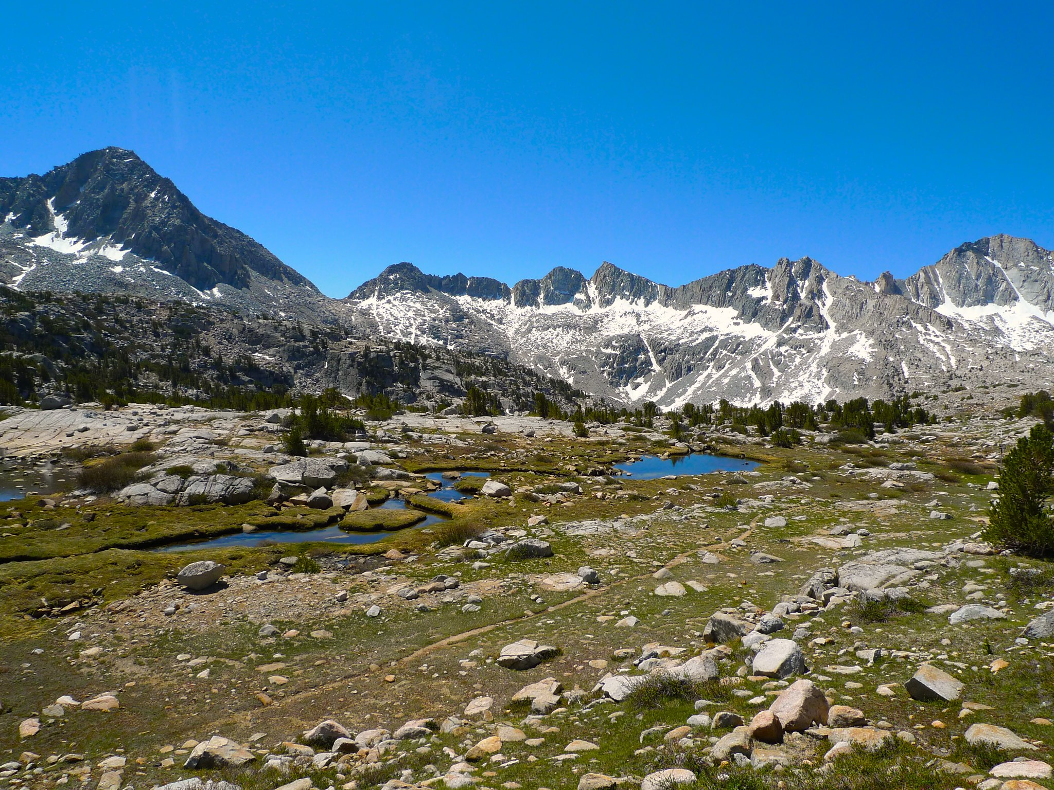Bishop Pass trail running along Dusy Basin