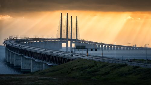sunset denmark skåne sweden telephoto pylons malmö öresund öresundsbron öresundbridge öresundsbro