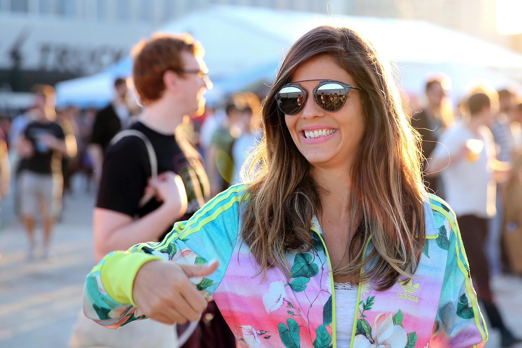 trendy_taste-look-outfit-street_style-ootd-blog-blogger_españa-fashion_spain-moda_españa-festival-primavera_sound-adidas_originals-stan_smith-barcelona-camiseta-zapas-6
