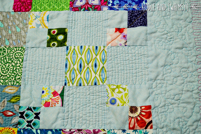 Riddle and {Whimsy} Spanish Chains Four Patch Cross quilting detail
