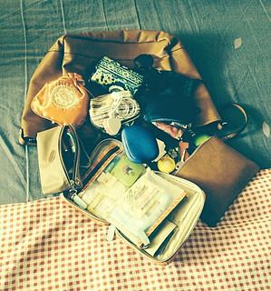 What's in my bag ... #insidemybag #whatsinmybag