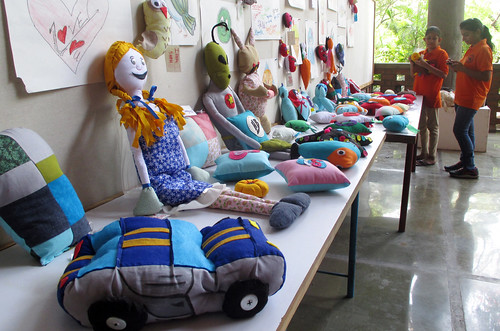 Soft Toys Workshop taught by Cindy Gould at the National Institute of Design in India