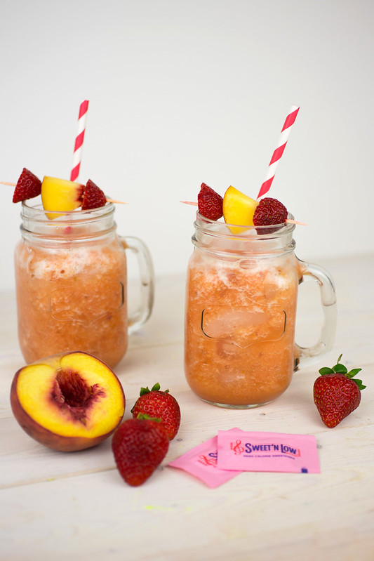 Low-Calorie Roasted Peach Lemonade with Sweet'N Low #SweetNLowStars