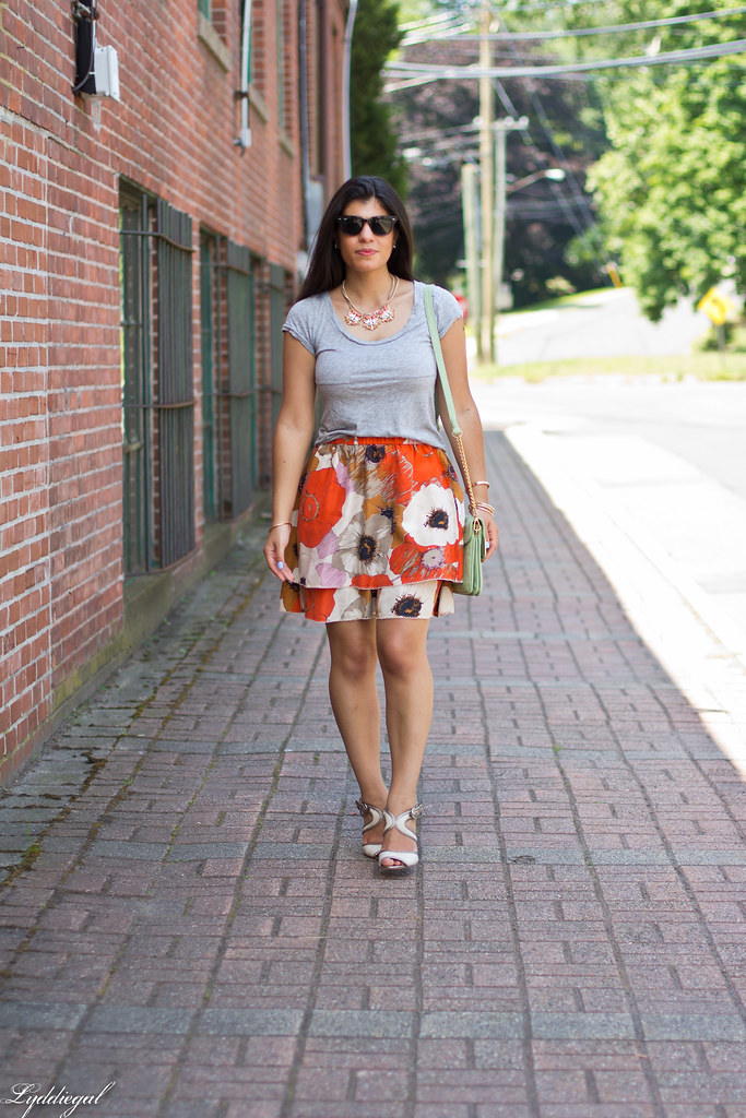 grey tee, floral skirt, mint bag-3.jpg