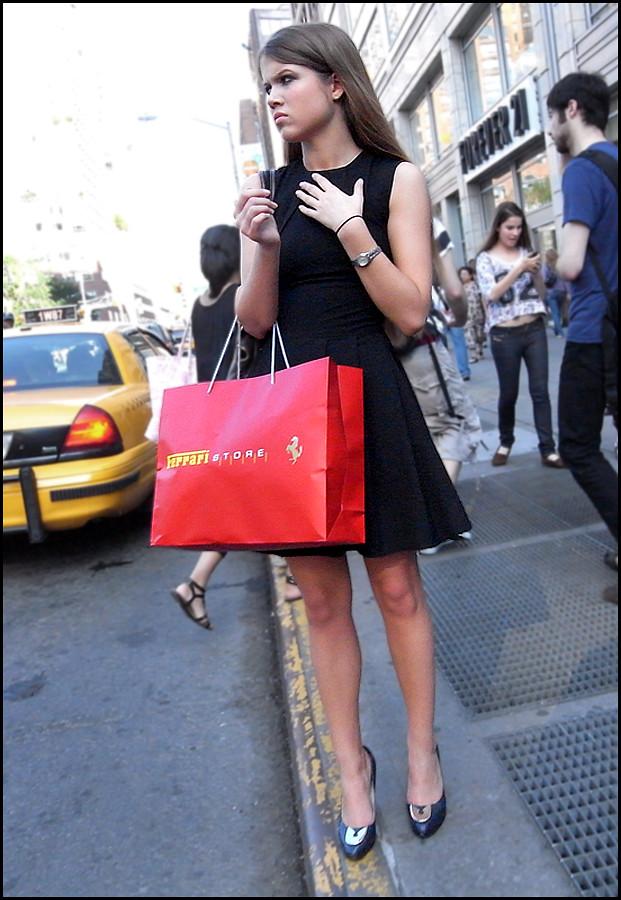 23 w black sleeveless short dress red ferrari store bag ol