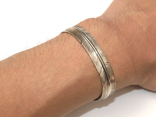 Indian Jewerly / Silver Feather Bangle [A.Gatewood]