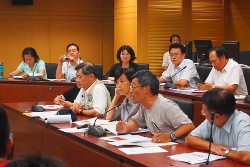 保育團體、營建署等環評委員,多提出此開路計畫過於草率,可能毀了黑琵棲地,打壞台灣保育的國際名聲。攝影:李育琴。
