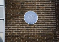Photo of St John Groser blue plaque