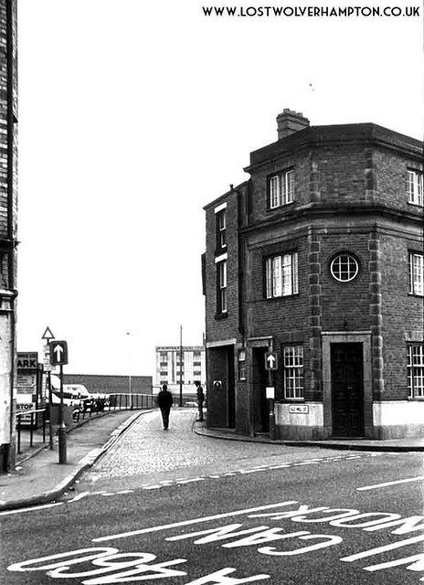 At the demise of Old Mill Street. in the1970's, The New Inn Hotel still stands on the corner with Horseley Fields.