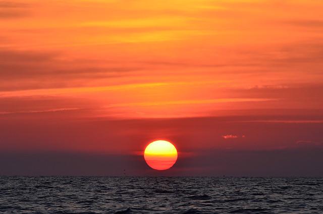 Espectáculos de la naturaleza. Increíble puesta de sol en el norte de Menorca